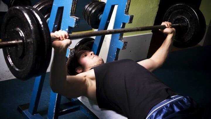La rutina con pesas que te hará ponerte más grande