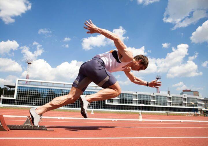 ¿Qué es la triple extensión en el sprint?