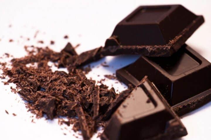 El chocolate negro puro está libre de azúcar