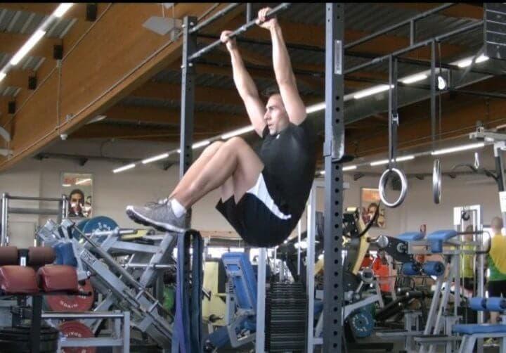 ¿Por qué no deberías realizar elevaciones de rodillas?