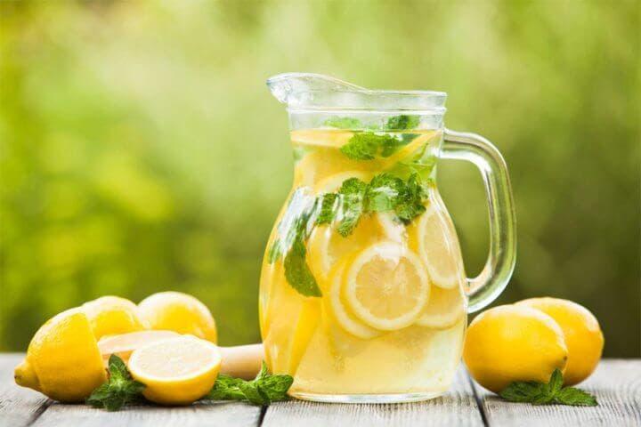 La limonada con azúcar genera aumento de calorías