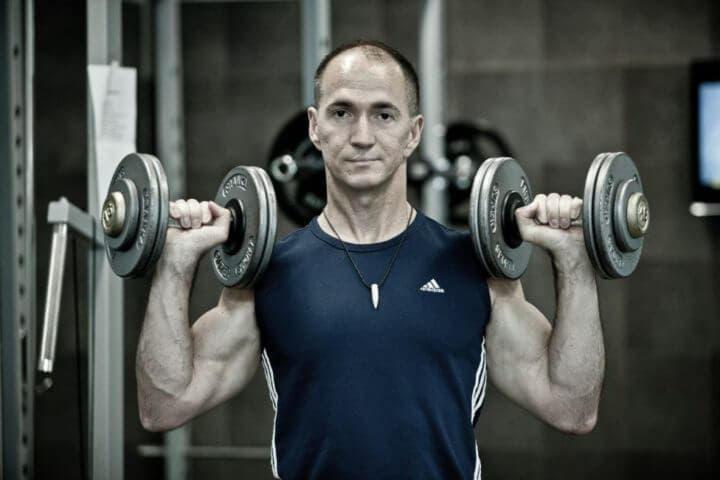 ¿Se puede entrenar con pesas a los 40 años?