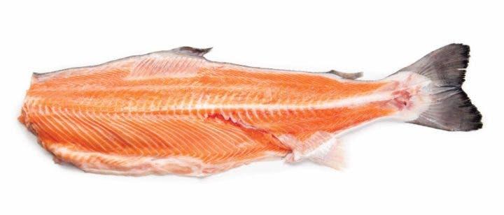 ¿Tiene el salmón vitamina E?