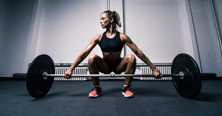 Las pesas ayudan a tratar la osteoporosis