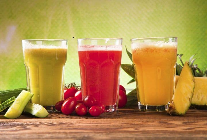 ¿Beber zumos de fruta adelgaza?