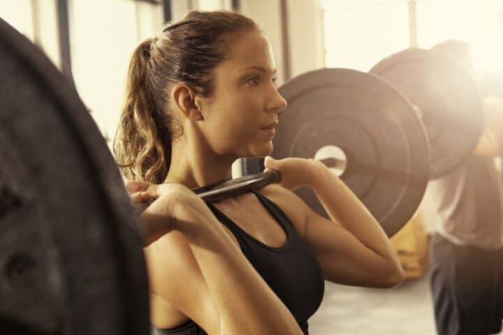 ¿Por qué deberíamos entrenar con pesas?