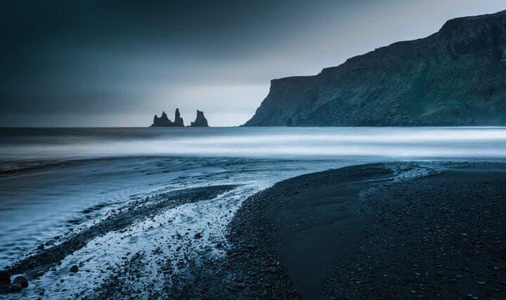 Conocer la Playa Negra de Islandia antes de morir