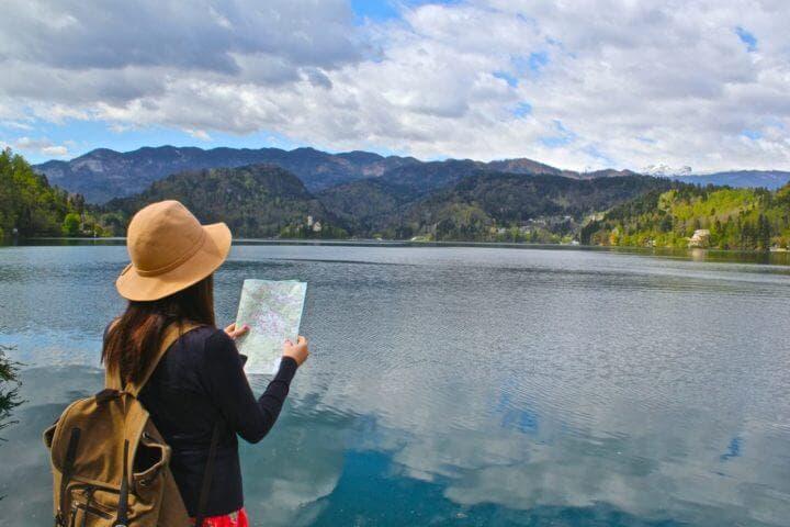 Las nuevas experiencias asociadas con viajar generan felicidad