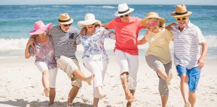 Las personas mayores tienen mejores relaciones personales