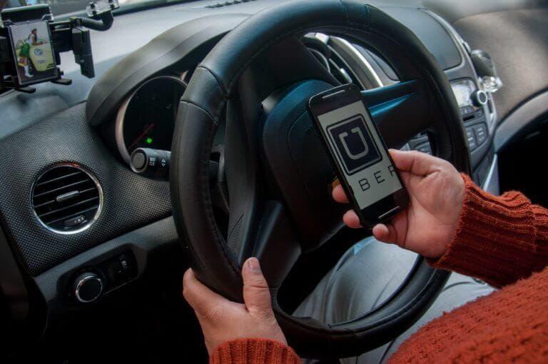 Razones por las cuales un conductor de uber puede ser expulsado