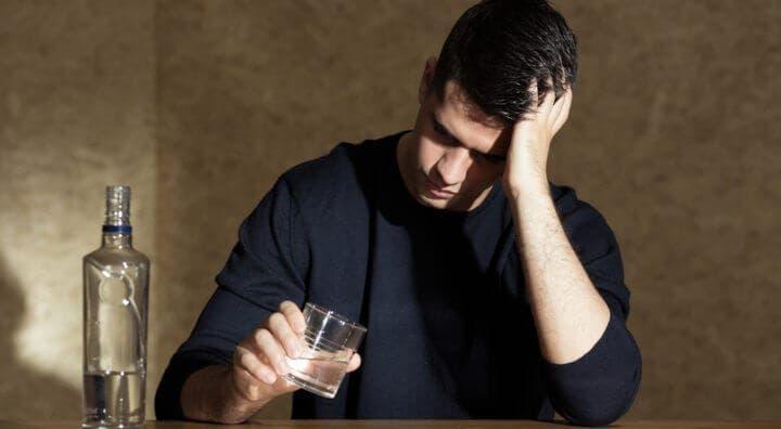 señales que te pueden indicar problemas con el alcohol