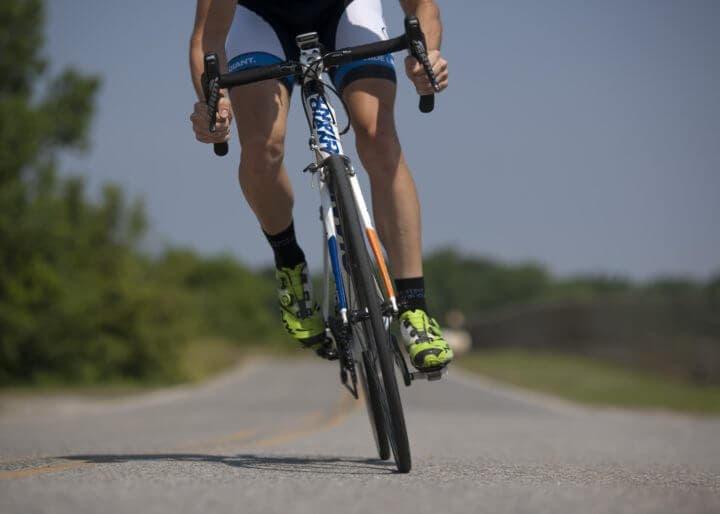 Movimiento de cadera al montar en bicicleta