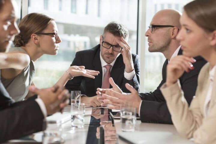 Cómo evitar conflictos en el ambiente laboral