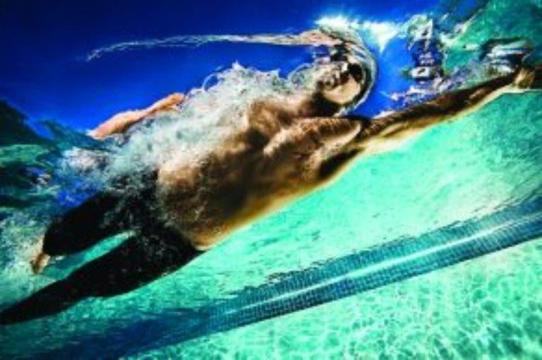6 consejos para mejorar tus brazadas en natación
