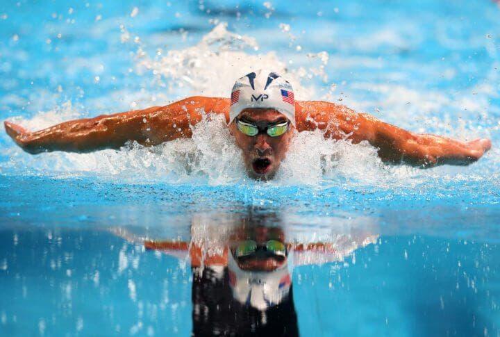 usa tu brazadas ganar centímetros en la piscina