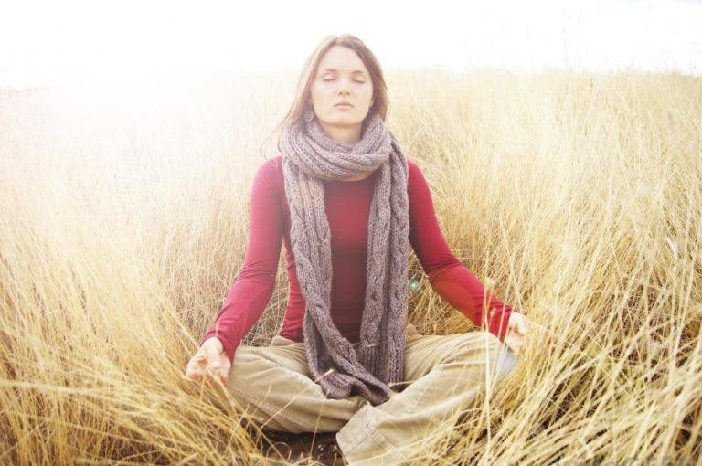 Qué es y cómo funciona la meditación trascendental