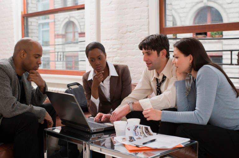 6 conductas que podrían destrozar tu carrera profesional