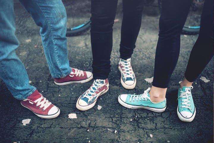 La posición de tus pies puede transmitir información