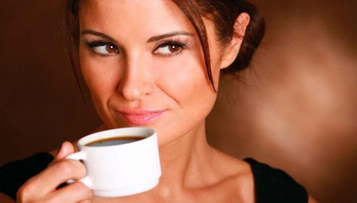 ¿Es capaz la cafeína de evitar la absorción de hierro?