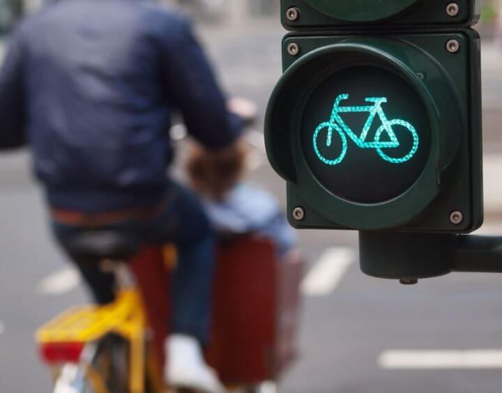 Los ciclistas normalmente no conducen mal