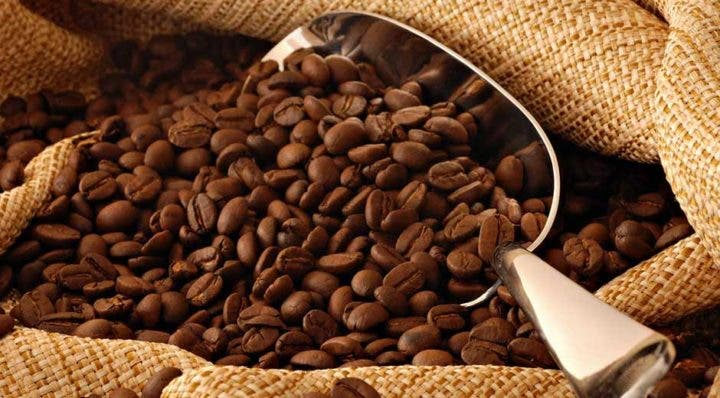 ¿Cómo afecta la cafeína a la absorción de hierro?