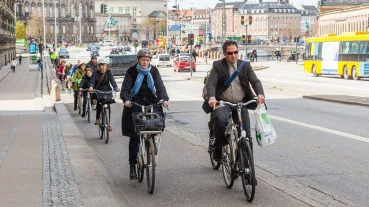 Los ciclistas también son personas al igual que tú