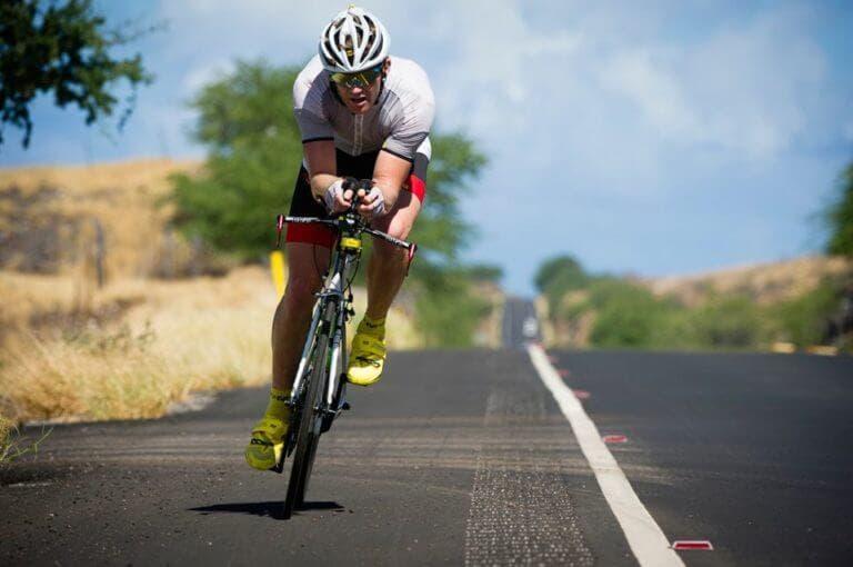 ¿cuál debe ser la periodización del entrenamiento en triatlón?
