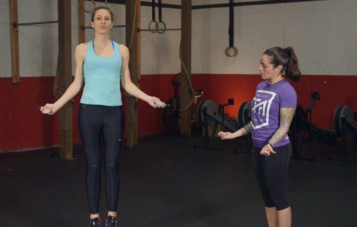 Saltos a la cuerda en CrossFit simples