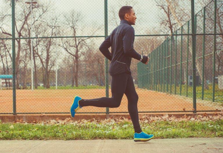 Cómo calentar la cadera antes de correr