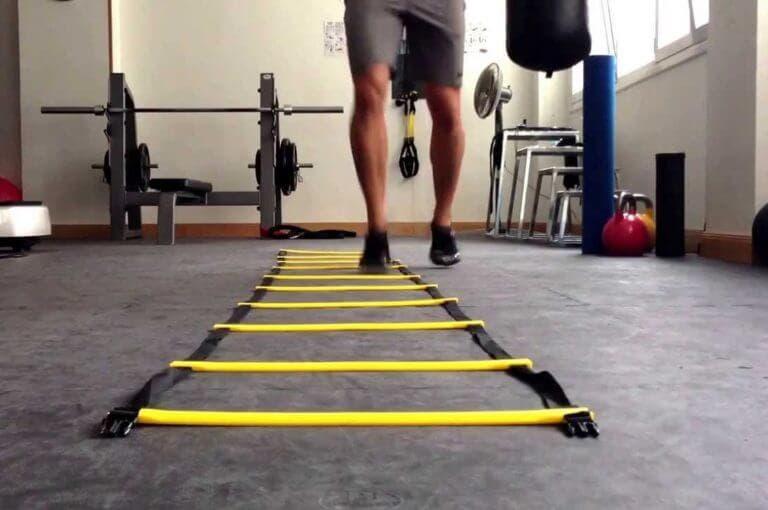 4 ejercicios con escalera de agilidad para quemar grasa