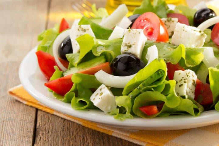 Acompañamientos vegetarianos para celebrar reuniones con amigos