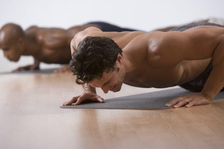 Las flexiones trabajan diferentes músculos del cuerpo