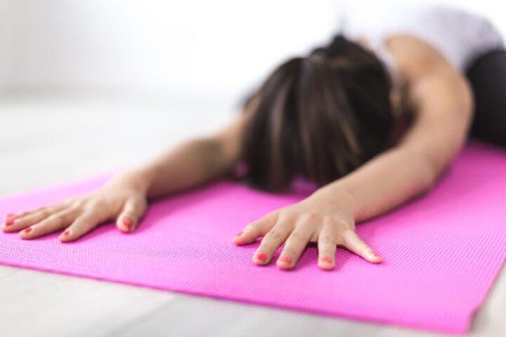 Hacer yoga para recuperar la calma