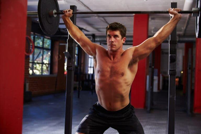 Ejercicios sencillos para ganar músculo en hombros