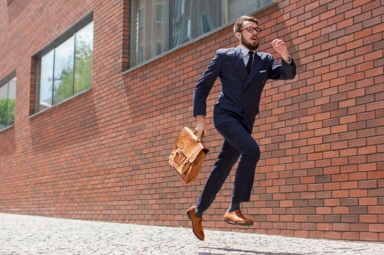 Por qué la gente que siempre llega tarde puede tener más éxito