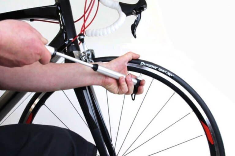 Cómo saber si la presión de los neumáticos de tu bicicleta es correcta