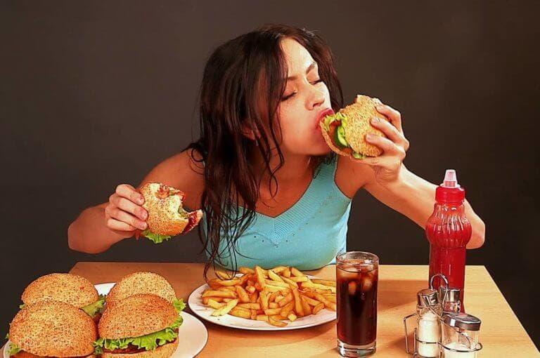 ¿cuánta grasa puedes ganar los días que sufres un atracón de comida?