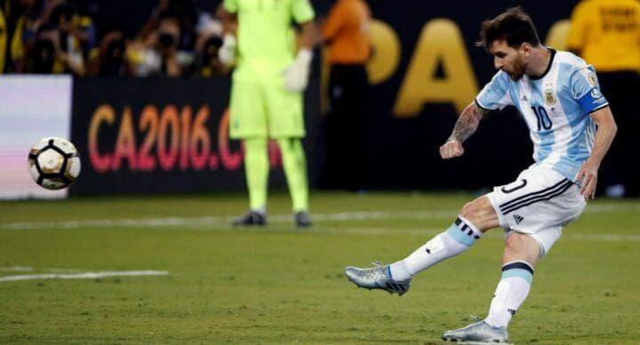 Extensión de rodilla para un disparo más fuerte en futbolistas