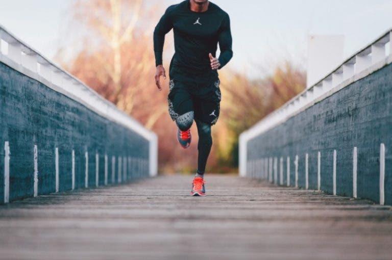 Los 4 estiramientos de banda iliotibial que todo runner necesita