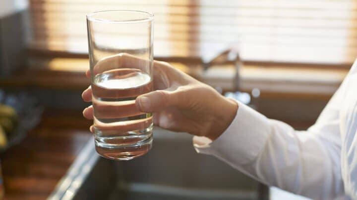 Patrones de hidratación en personas de la tercera edad