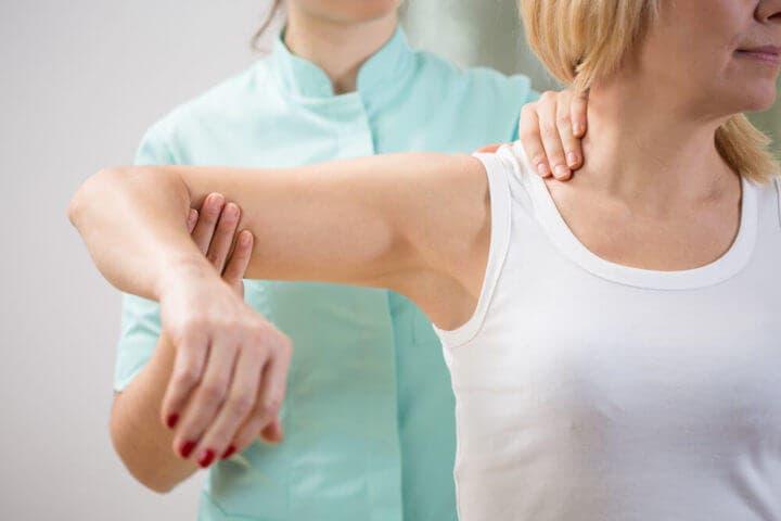 Visitar el traumatólogo si te duelen las articulaciones
