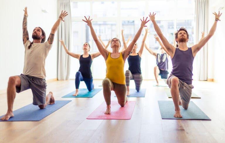 perder peso haciendo yoga