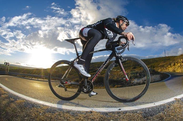 El camino más rápido para construir resistencia en ciclismo