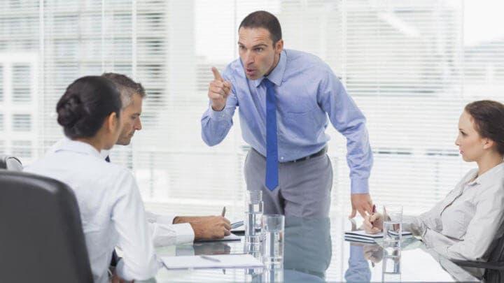 Cómo evitar generar un ambiente hostil en el trabajo