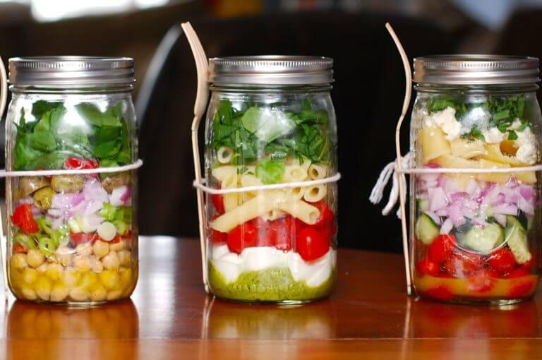 Las 6 mejores recetas de ensaladas en frasco