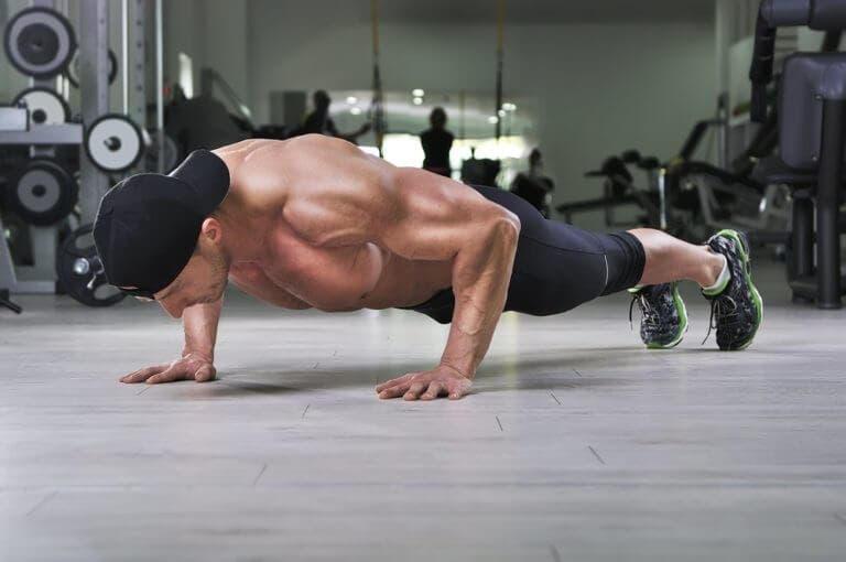 6 ejercicios de bajo impacto para entrenar tu fuerza y potencia
