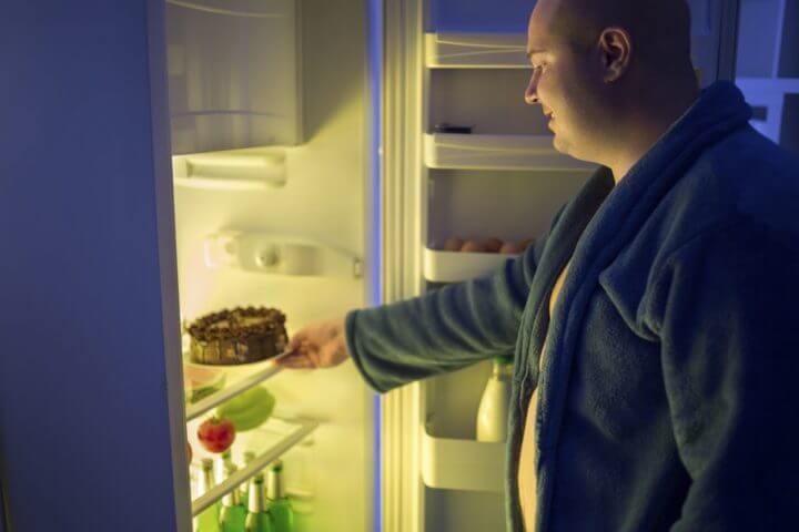 Distribución de alimentos en la nevera y sobrepeso