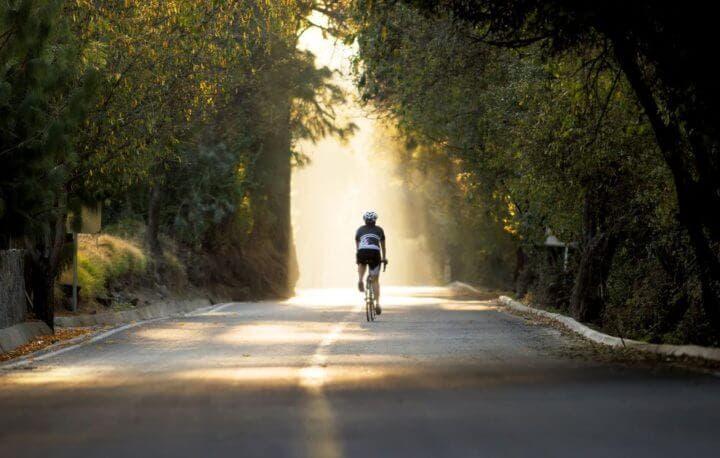 Cómo construir la base de tu resistencia aeróbica en ciclismo