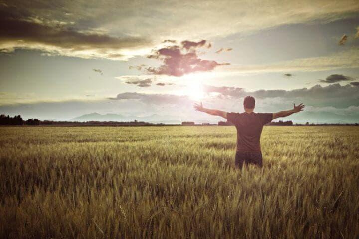 Mantenerse positivo a pesar de las adversidades