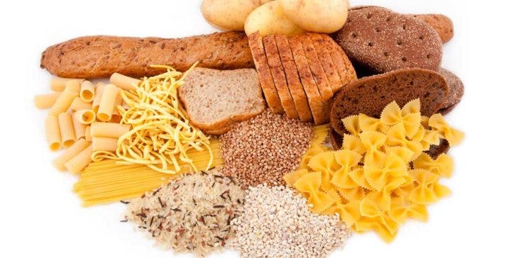 ¿Cuántos carbohidratos debe comer el ciclista?